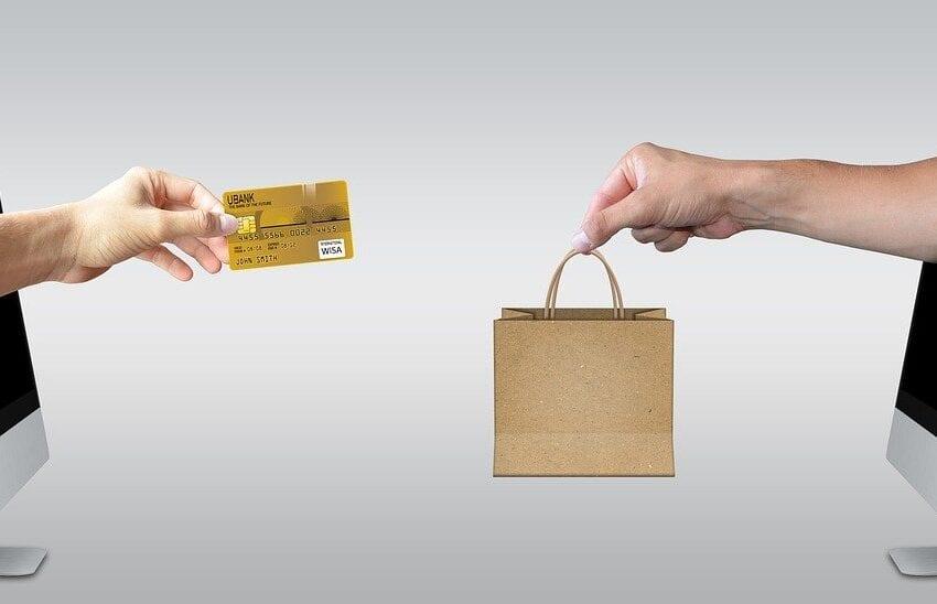 A rate, posticipato o local: tutto, purché digitale. La rivoluzione dei pagamenti online arriva anche in Italia